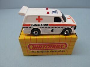 MatchboxSuperfast6D Ford Supervan II White /  Orange Ambulance & 911 Recue