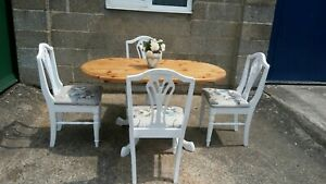 Stripped Oval Pine Table With Painted White Base And Four Matching Chairs