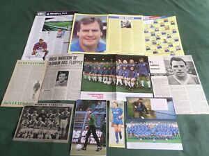 OLDHAM ATHLETIC - FOOTBALL TEAM  CLIPPINGS /CUTTING PACK