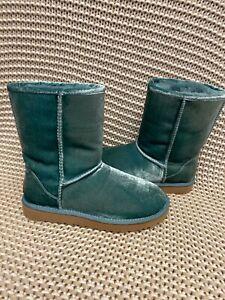 UGG Classic Short II Velvet Atlantic Fur Boots Womens Size 7