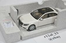 Norev 1:18 B66040156 Mercedes Benz W222 V222 S Class Diamond White Dealer Box