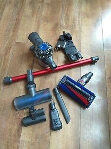 Dyson V6 Total Clean With 5 Attachments And Charger