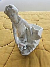 ancienne figurine-bouquetière en porcelaine/biscuit-jeune fille gardeuse d'oie