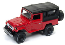 1/64 JOHNNY LIGHTNING 1980 Toyota Land Cruiser in Bright Red