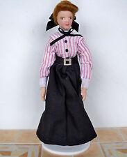 1:12 - Puppenhaus Miniatur - Porzellan PUPPE - junge Frau -14cm