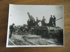 British Heavy Rail Gun Ready for Action - Central News Photo  - Original