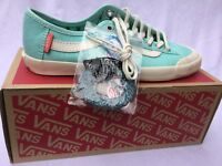 SALE!!! VANS HAPPY DAZE 'MARSHMALLOW' TRAINERS  cream/ white VUAXFS8 UK 4 New