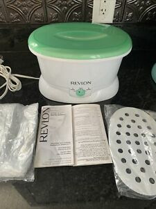 Revlon Paraffin Wax Bath Electric Portable Thermal Hands Feet Skin Spa