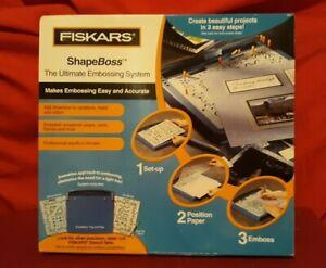 Fiskars Shape Boss Ultimate Embossing System Stencil Shape Cutter NIB ✞