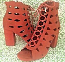 NEW! GUESS OWINA WOMENS HIGH CHUNKY HEEL BROWN SUEDE CUT OUT LACE UP SHIES 7 M