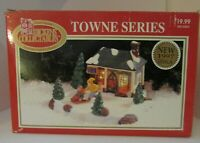 SKATE RENTAL - 1995 Dickens Collectible Towne Series Lighted House