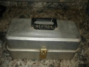 Vintage UMCO 103A Tackle Box aluminum used Watertown Minn USA