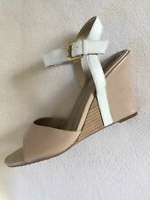 New Me Too Lucie Tan Nude Wedge Sandals White Ankle Strap sz 9M
