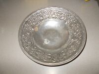 Vintage large size Wilton pewter 12 3/4 inch decorative serving bowl pre owned