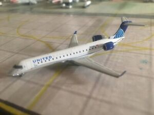 Gemini Jets United Express CRJ550 1:400 Scale