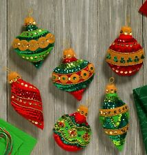 Bucilla Glitzy Ornaments ~ 6 Pce Felt Christmas Ornament Kit #86725 Jeweled 2017