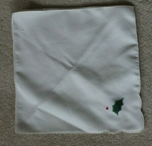 New 4 Cream Napkins with embroidered Holly in corner ideal for Xmas