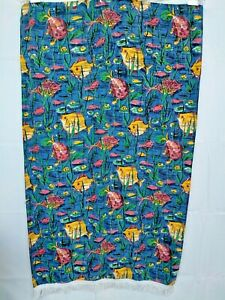 VINTAGE CHRISTY LARGE FISH PRINT BEACH TOWEL WITH FRINGING.