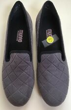 MUNRO Jerrie Gray Quilted  Suede 7N NWOB