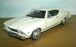 1/24 Scale 1968 Chevy Chevelle SS396 Diecast Model Car - Welly 29397 Cream White