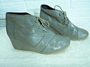 Women's Toms Desert Wedge Booties Boots Metallic Size 10