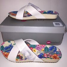 """UNLEASHED by ROCKET DOG Women's """"FLARE"""" Footbed Sandals """"WHITE"""" Size 9M NEW Box"""