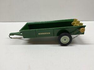 Vintage Ertl Oliver Tractor Manure Spreader 1:16 Scale