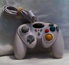 WIRED CONTROLLER FOR NINTENDO GAMECUBE AND WII.