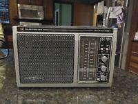 Vintage 70s General Electric AM/FM Radio | 7-2875A | AC/DC Dual Power | WORKS