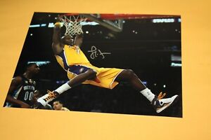 LOS ANGELES LAKERS LAMAR ODOM #7 SIGNED AUTOGRAPHED 8X10 PHOTO DUNKING POSE