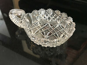 VINTAGE DEEP CUT CRYSTAL CLEAR SCALLOPED EDGE CANDY SERVING DISH HANDLE