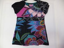 Tee Shirt DESIGUAL 5/6 ans TTBE noir motifs fleuri