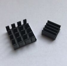 Raspberry Pi Kühlkörper / Kühler Set schwarz mit Klebefolie für Pi 3, 2, A, B+