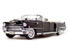 1956 CADILLAC SERIES 62 PARADE LIMOUSINE BLACK W/FLAGS 1/24 ROAD SIGNATURE 24038