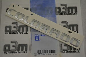 2015 Chevrolet Colorado Front Door/ Tailgate Chrome Nameplate new OEM 22900424