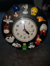 Extremely Rare! Looney Tunes Wile E Coyote Road Runner Figurine Clock Statue