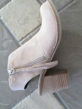 NEW DOLCE VITA BOOTIES BOOTS SHOES WOMENS 9.5 NUDE SUEDE OPEN HEEL STYLE: JANIS