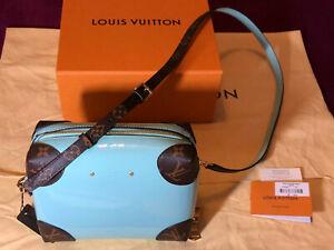 LOUIS VUITTON MONOGRAM & PATENTED SHINY GREEN CROSS-BODY BAG £1260 20%OFF £999