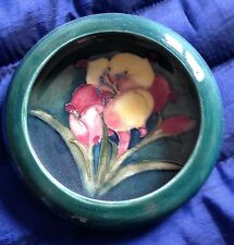 MOORCROFT AFRICAN LILY RIMMED DISH-  GREAT CONDITION