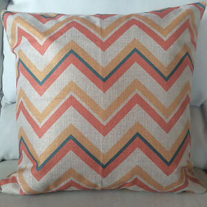 """Set of 2 Vintage Zigzag Seamless Pattern Beige Pillow Cover 18""""/ 44cm"""