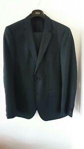 aktuell, modisch, dunkelblauer Nadelstreifen- Anzug von Hugo Boss - Größe 50-