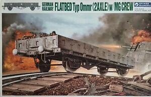 Gunze Sangyo 1/35 German Railway Flatbed Typ 0mmr (2Axle) w/MG Crew Model Kit