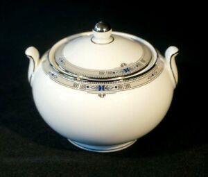 Beautiful Wedgwood Amherst Platinum Trim Lidded Sugar Bowl