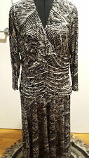 Ginger Tree long sleeved black and white dress   size XL
