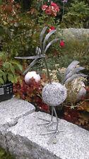 Stolzer Steinvogel aus Edelstahl und Granitstein, 40 cm