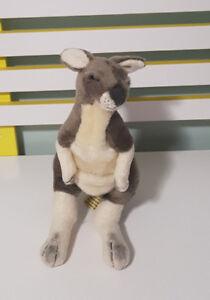 BOCCETTA GREY KANGAROO AUSTRALIAN ANIMAL SOFT TOY PLUSH TOY 25CM TALL!