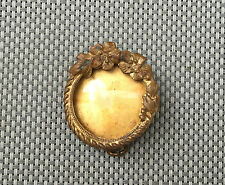 Ancienne broche métal porte photo dorée art pop  french antique jewel