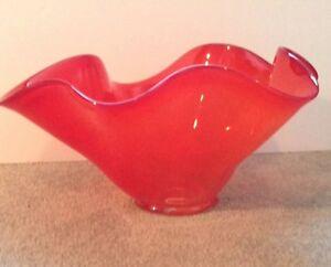 Karen Sutherland Art Glass Large Bowl Orange Fire Fluted Folded Rim Signed 2002