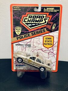 Road Champs Police Series  Iowa State Patrol 1997 Gold Ford Crown Victoria NIP