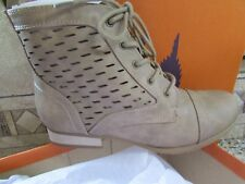 NEW ROCKET DOG YOLANDA TAUPE ANKLE BOOTS BOOTIES  WOMENS 6.5 PERFORATED